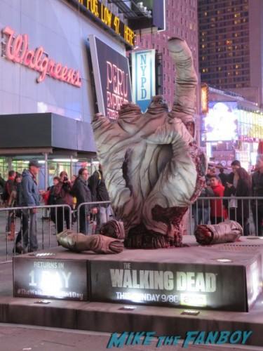 Walking Dead hand