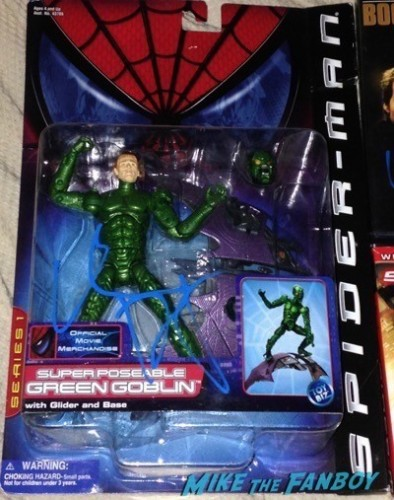 Willem Dafoe signed green goblin action figure signing autographs spider man 3