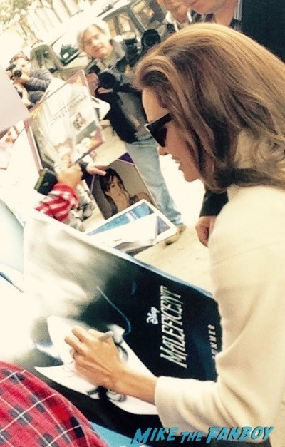 Angelina Jolie Signing autographs unbroken q and a 4