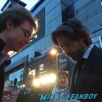 Jason Reitman fan photo signing autographs men women children london premiere   13