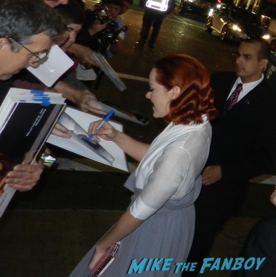 jean malone signing autographs Inherent Vice LA Premiere Reese Witherspoon disses fans 9