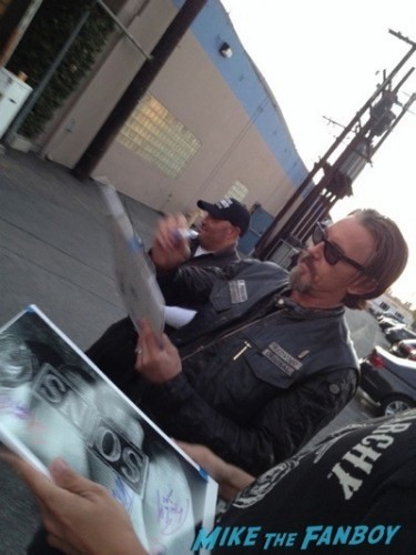 Tommy Flanagan Sons of anarchy on location charlie hunnam signing autographs 20