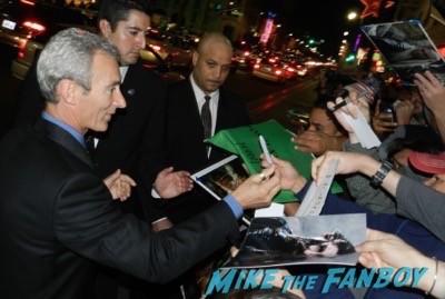The Hobbit: The Battle of the Five Armies los angeles premiere signing autographs peter jackson 25