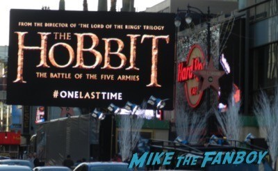 The Hobbit: The Battle of the Five Armies los angeles premiere signing autographs peter jackson 4