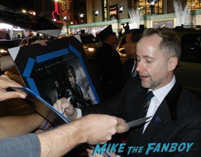 billy boyd signing autographs The Hobbit: The Battle of the Five Armies los angeles premiere signing autographs peter jackson 27