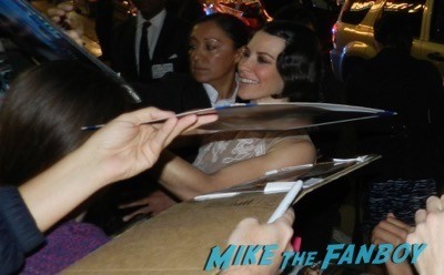 Evangeline Lilly signing autographs The Hobbit: The Battle of the Five Armies los angeles premiere signing autographs peter jackson 34