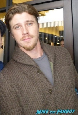 garrett hedlund signing autographs Unbroken cast meet and greet signing autographs 3