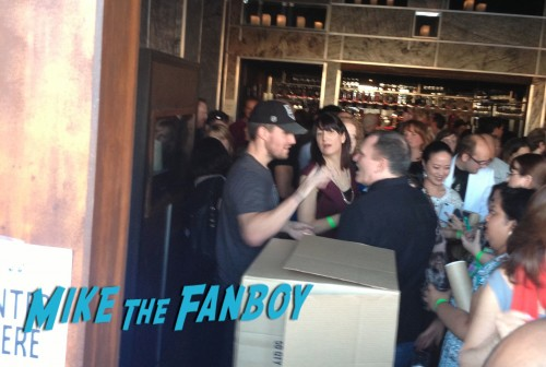 Arrow Stephen Amell Signing Charity