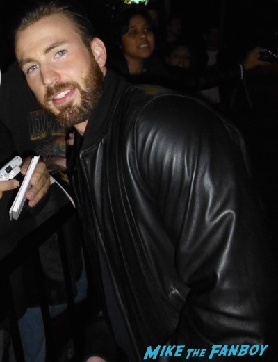 Chris Evans golden globe fan photo hot