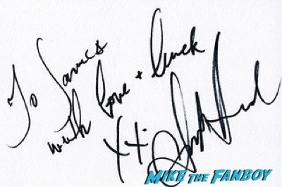 amber heard fan photo Mortdecai UK Premiere johnny depp signing autographs 1