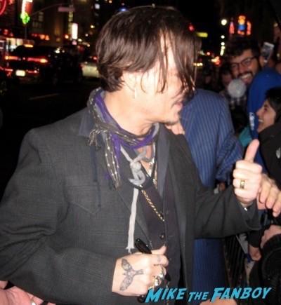 Mortecai los angeles premiere johnny depp signing autographs 32