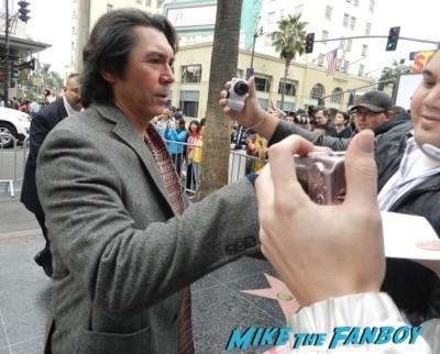lou diamond phillips signing autographs Paddington Los Angeles Premiere Nicole Kidman disses fans 4