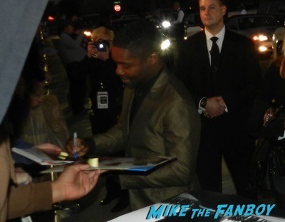 David Oyelowo signing autographs Palm Springs Film festival 2015 eddie redmayne signing autographs 31