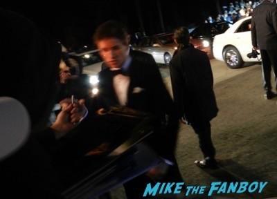 Eddie Redmayne signing autographs Palm Springs Film festival 2015 eddie redmayne signing autographs 33