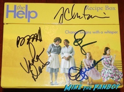 the help promo recipe box signed jessica chastain emma stone