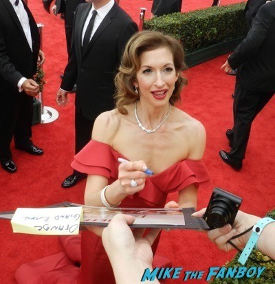 Alysia Reiner SAG Awards 2015 red carpet julia louis dreyfus ethan hawke signing autographs 18