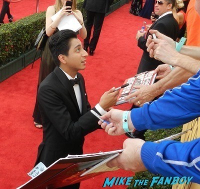 Tony Revolori signing autographs SAG Awards 2015 red carpet julia louis dreyfus ethan hawke signing autographs 34