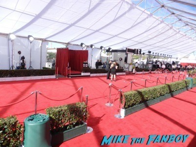 SAG Awards 2015 red carpet julia louis dreyfus ethan hawke signing autographs 1