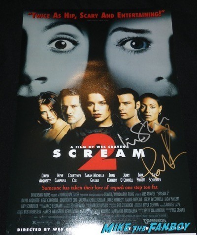 scream 2 cast signed mini poster courteney cox liev schrieber