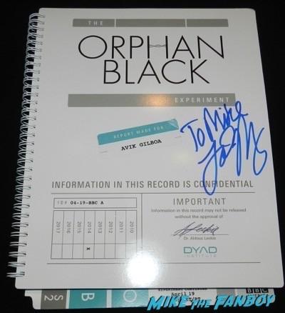 Tatiana Maslany signed orphan black presskit