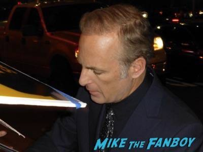 Better Call Saul premiere bob odenkirk bryan cranston signing autographs 9
