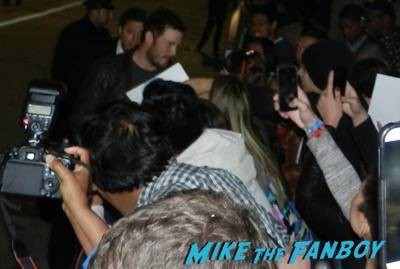 chris pratt signing autographs Hot Tub Time Machine 2 premiere signing autographs adam scott 14