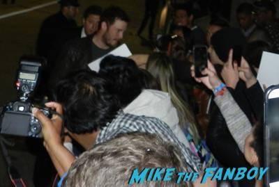 chris pratt signing autographs Hot Tub Time Machine 2 premiere signing autographs adam scott 14