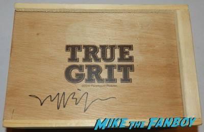 Jeff Bridges signed true grit promo wood box flash