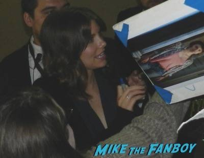 Lauren Cohan jimmy kimmel live signing autographs 3