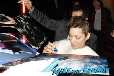 Marion Cotillard q and a signing autographs 1