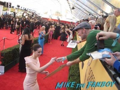 SAG Awards 2015 signing autographs for fans 42