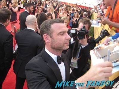 SAG Awards 2015 signing autographs for fans 49