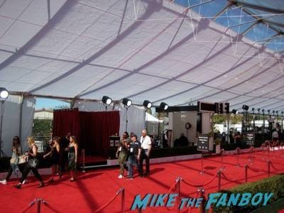 SAG Awards 2015 signing autographs for fans 57