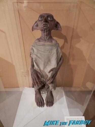 Warner Bros Harry Potter  prop and costume display musuem 18