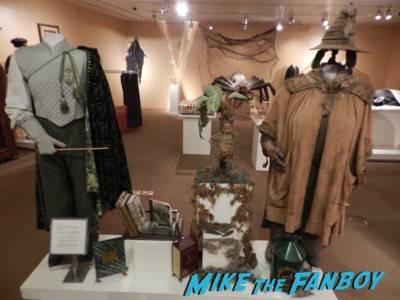 Warner Bros Harry Potter  prop and costume display musuem 24