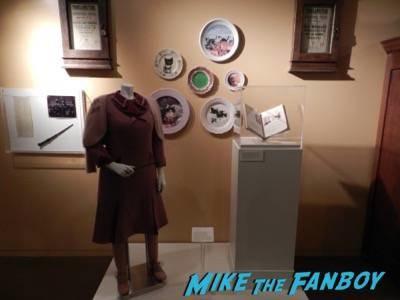 Warner Bros Harry Potter  prop and costume display musuem 25
