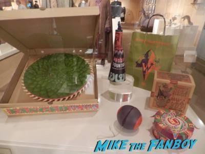 Warner Bros Harry Potter  prop and costume display musuem 7