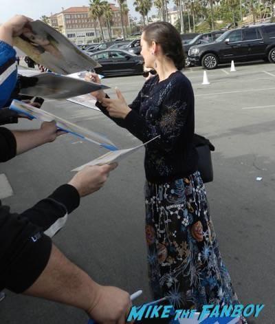Marion Cotillard signing autographs spirit awards 2015 signing autographs 51