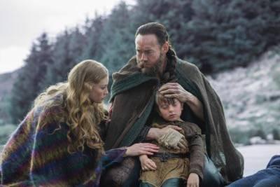 SIGGY (JESSALYN GILSIG) vikings episode 4