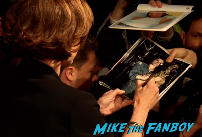 Chappie berlin premiere hugh jackman sigourney weaver signing autographs 5