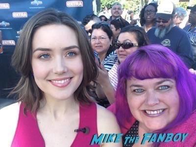 Megan Boone fan photo 6