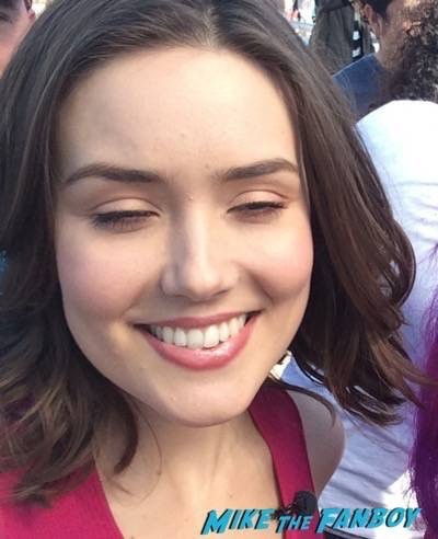 Megan Boone fan photo 6