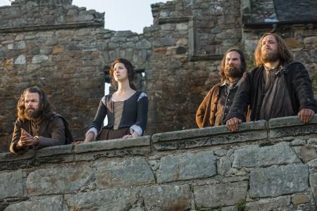Outlander+Season+1B_Anguss+Claire+Randall