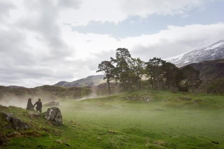 Outlander+Season+1B_Claire+Jamie+valley