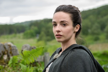 Outlander+Season+1B_Jenny+Fraser+(Laura+Donnelly)