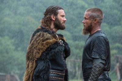 vikings Rollo (Clive Standen) and Ragnar (Travis Fimmel)