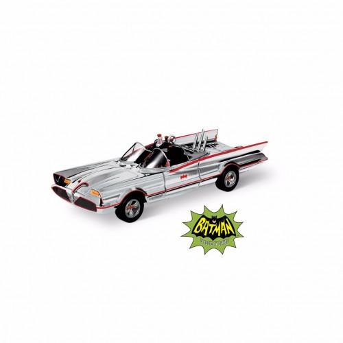 hallmark sdcc exclusive batmobile ornament
