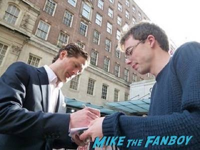 Kyle Soller Empire Awards Red Carpet Signing autographs henry Cavill simon pegg 76