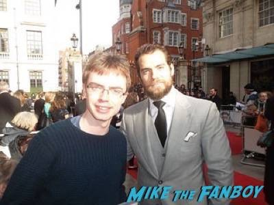 Henry Cavill Empire Awards Red Carpet Signing autographs henry Cavill simon pegg 53