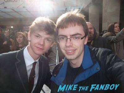 Thomas Sangster Empire Awards Red Carpet Signing autographs henry Cavill simon pegg 81